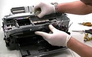 В процессе ремонта принтера в сервисном центре